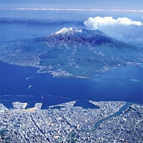 海に浮かぶ桜島