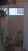 小部屋のトイレ&風呂場1
