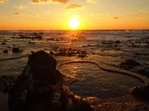 海辺の露天風呂からの夕景