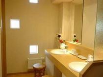 和室12畳の洗面台