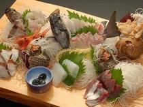 鮮魚のまな板もり