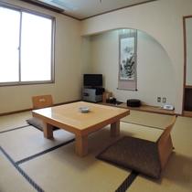 *和室/8畳の和室です。静寂なひとときをお過ごし下さいませ。