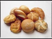 朝食焼きたてパン♪
