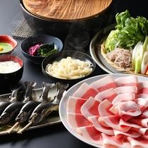 ■【冬グルメ】秘伝味噌仕立てで頂くぼたん鍋。