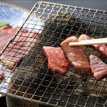 【夕食一例】厳選されたこだわりのお肉を炭火でお楽しみいただけます♪
