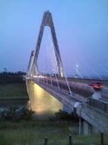 夜の内灘大橋