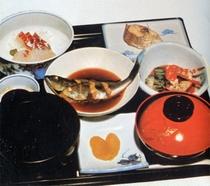 新鮮な魚料理をどうぞ。