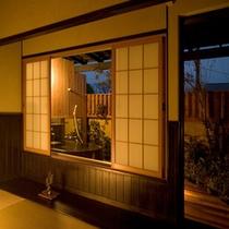 露天風呂付き客室夜