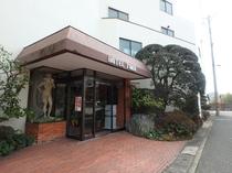 ホテル 入口