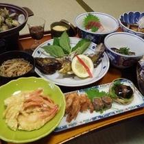 *【夕食一例】女将手作りの家庭料理は、ボリュームも十分とご好評いただいてます♪