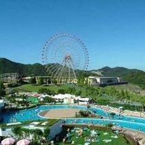 セントラルパークのプールは西日本最大級!