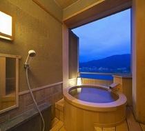 客室付き露天風呂【檜】
