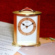 セミスイートは目覚まし時計もお洒落で使いやすいSEIKO!各種インフォーメーションも完備!