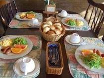 ある日の朝食風景