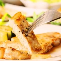 夕食 お肉料理の一例