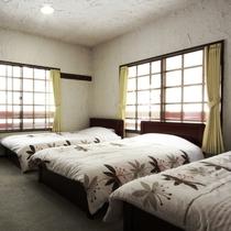 トリプルのお部屋です 家族旅行やグループ旅行に☆