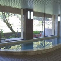【大浴場】温泉ではございませんが、手足を伸ばしてのんびりリラックス!