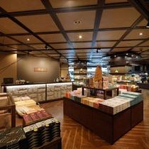 リニューアルオープンのSHOP「風音(かざね)」。北海道・知床の品々をセレクトいたしました。