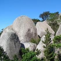 【唐人駄馬】巨石群
