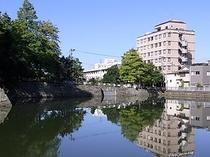 ホテルとお堀3