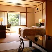 【2F和洋室】朝陽が差込む窓際にベッドを配置したお部屋も◎(禁煙/喫煙は部屋タイプからお選び下さい)
