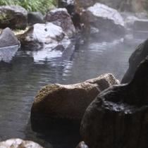 【極上の朝露天】鎌倉時代から続く「山梨三古湯」の一つ。甲斐の名湯を独占♪