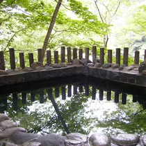 *露天風呂・新緑