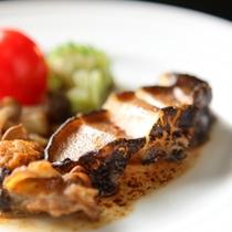 美味少量「雅プラン」厳選した上質な食材を使った特別会席 こちらは鮑ステーキ