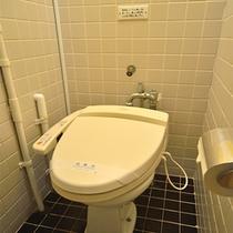 本館和室トイレ※手狭になります。
