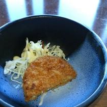 【朝食膳・1品(一例)】ほくほくのお芋を使ったコロッケ!