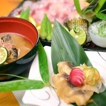 季節によっては旬の川魚料理も