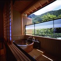 *【客室露天風呂 一例】豊かな自然の中、好きな時に好きなだけ入浴を満喫…♪