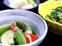 【朝食】季節の野菜を使用した朝食/例
