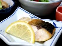 【朝食】焼き魚/例