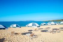 ハマバルビーチ/どこまでも続く、エメラルドブルーの海。
