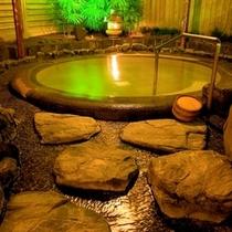 大浴場「芦の湯」露天風呂