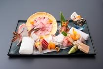 伊豆の新鮮な地魚の盛り合わせ。