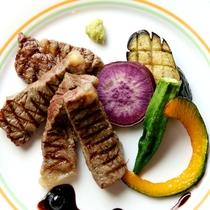 ステーキと自家製野菜