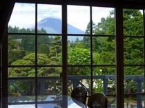 食堂から見た富士山