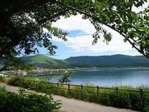 自然豊かな山中湖。お天気の良い日はサイクリングもおすすめ!