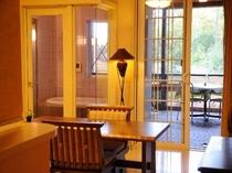 露天風呂付客室約16畳、広ーい客室でのんびりと寛いでくださいね!
