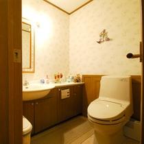 *清潔感のある、広々とした館内のトイレ