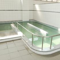 大浴場一例:西日本隋一のプラズマ大浴槽