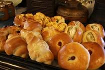 自家製焼き立てパン