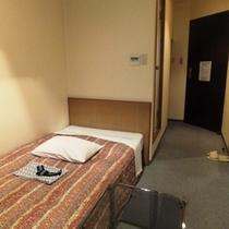 【シングルルーム】ビジネスやひとり旅に最適!お部屋によって広さが多少異なります。