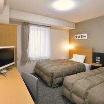 【ツインエコノミー】広さ18平米。ベッド幅123cm×2台。