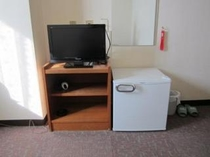冷蔵庫はご自由にお使い下さい。TVはもちろん!液晶テレビです。