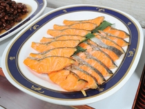 【朝食】塩鮭