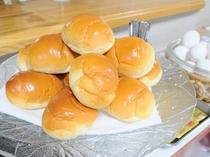 【朝食】ロールパン