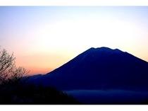 季節:羊蹄山と夕日